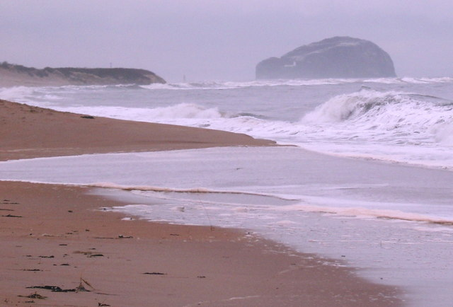 Spring tide at Ravensheugh - geograph.org.uk - 721144