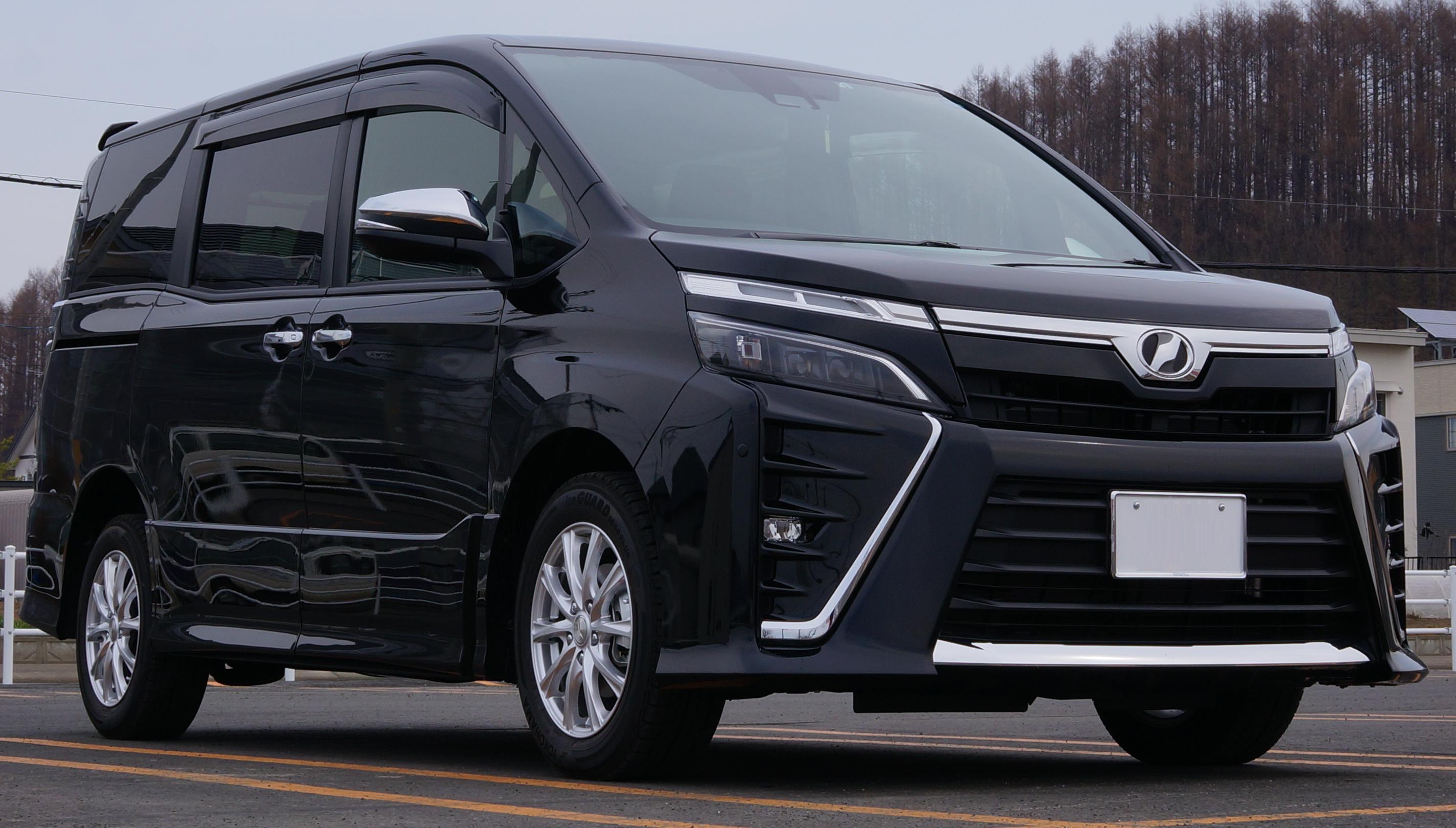 Kelebihan Kekurangan Toyota Voxy Review