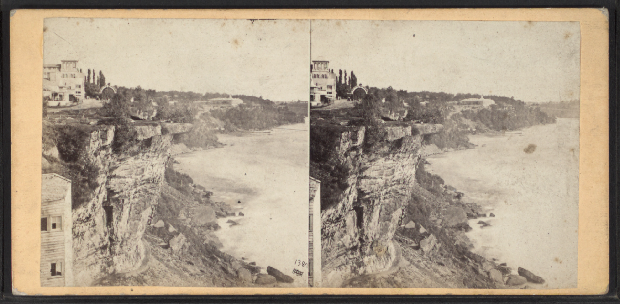 File Table Rock From Horse Shoe Fall Niagara By E Amp H