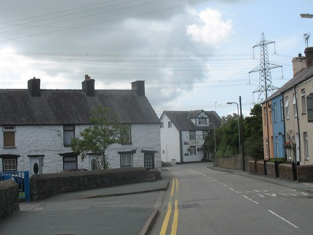 The junction of Lon Penmynydd and Holyhead Road (A5) - geograph.org.uk - 1431551