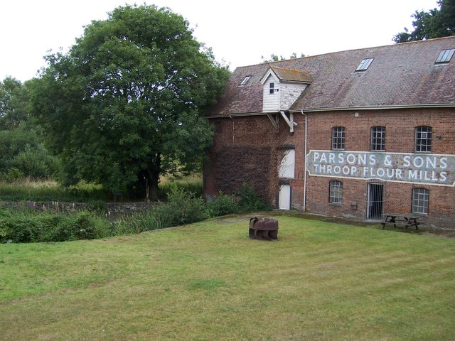 Throop Mill - geograph.org.uk - 909175