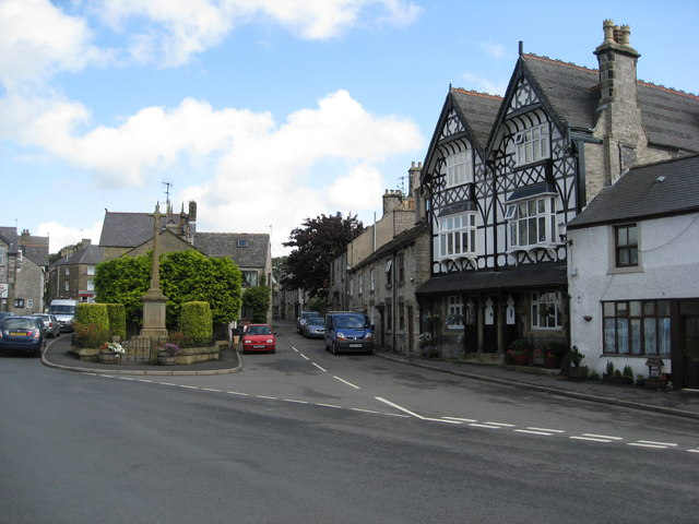Tideswell - Church Street Junction with Queen Street - geograph.org.uk - 945814