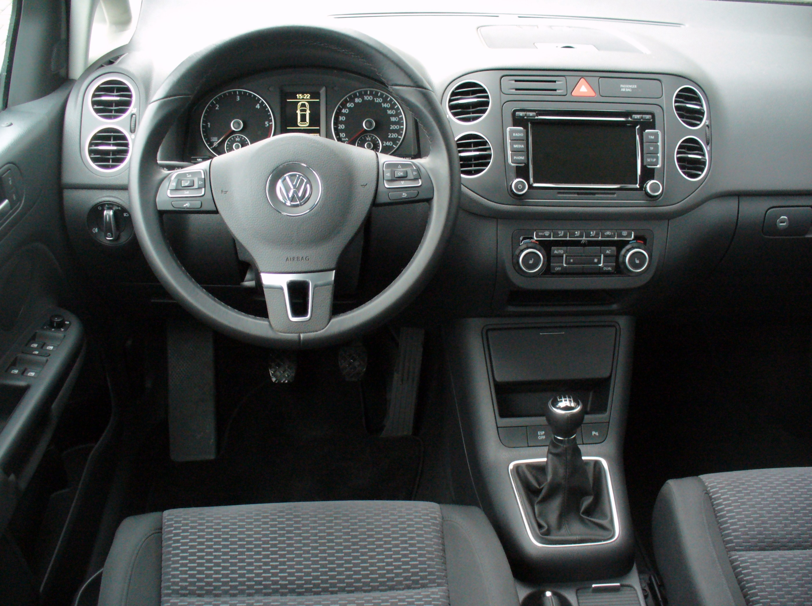 file vw golf plus 2 0 tdi comfortline reflexsilber interieur jpg wikimedia commons. Black Bedroom Furniture Sets. Home Design Ideas