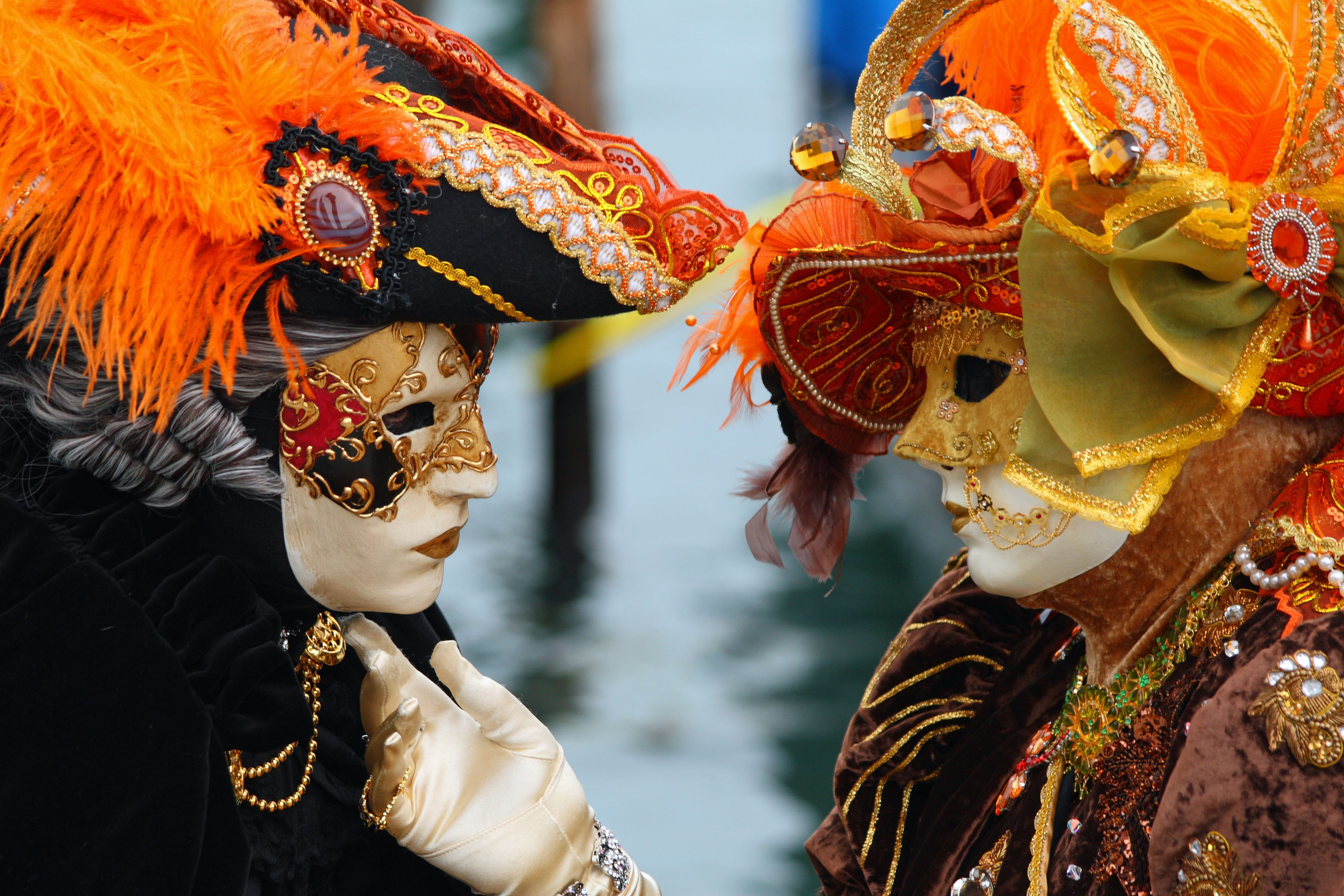 "Mardi Gras Mask Venetian Style /""Bauta/"" Solid Color Plastic Face Mask"