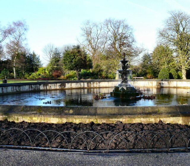Vernon Park Fountain - geograph.org.uk - 1128562