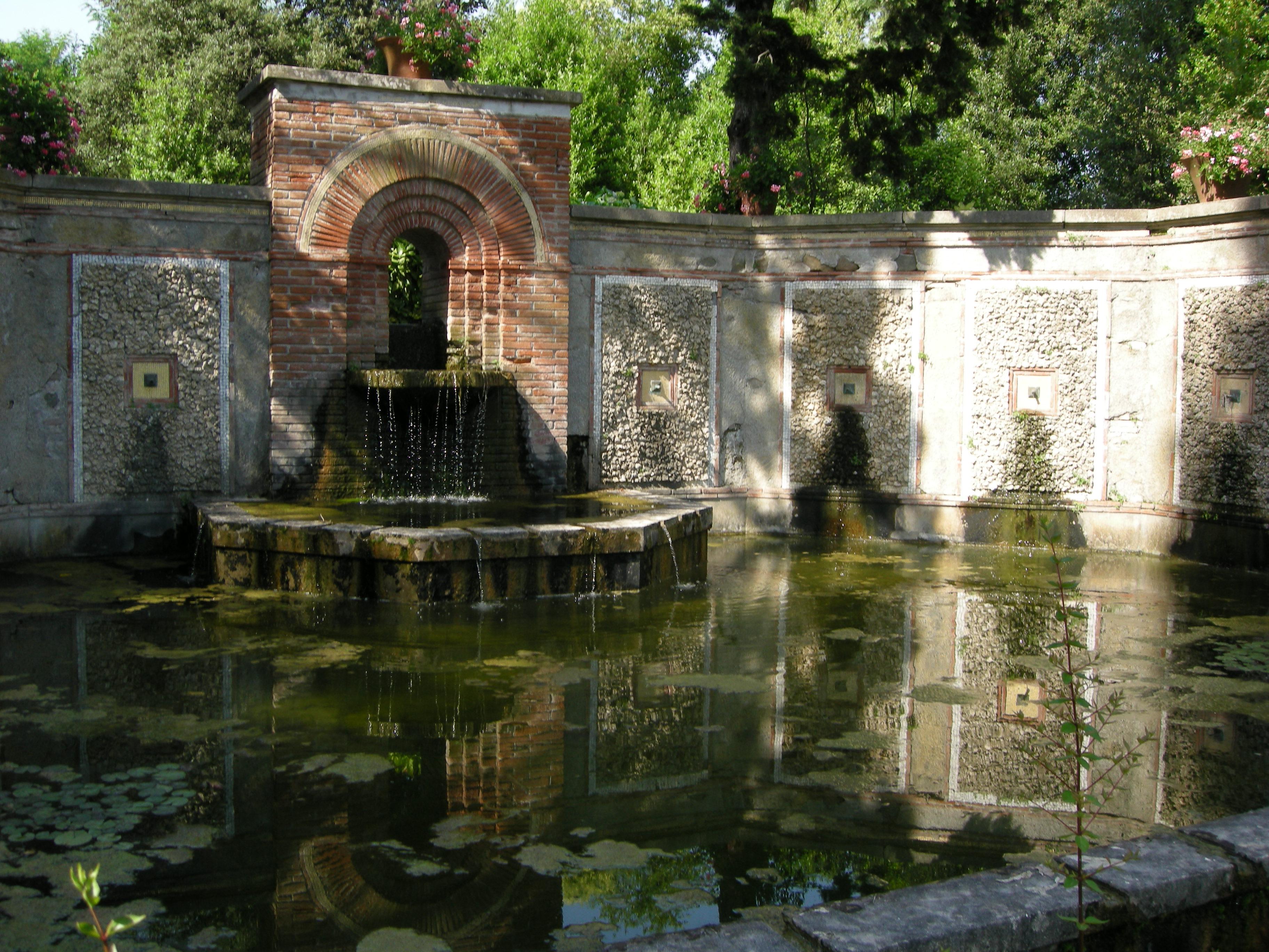 File villa reale di marlia giardino spagnolo vasca jpg for Vasca giardino