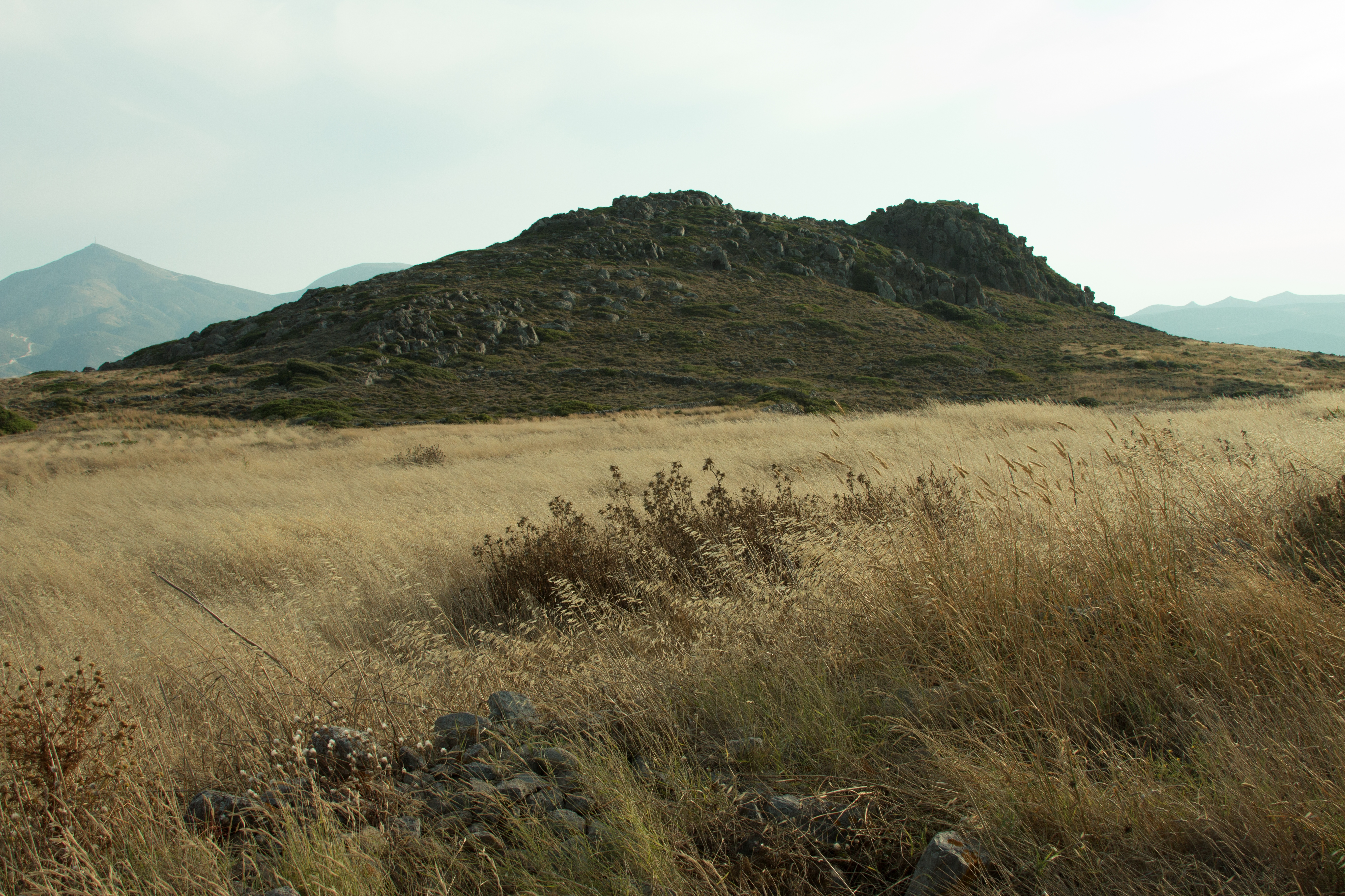 File:Volcanic rock on the Nychia hill on Milos, 153230.jpg