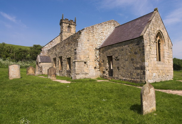 Wharram Percy, St Martins Church - geograph.org.uk - 659805.jpg