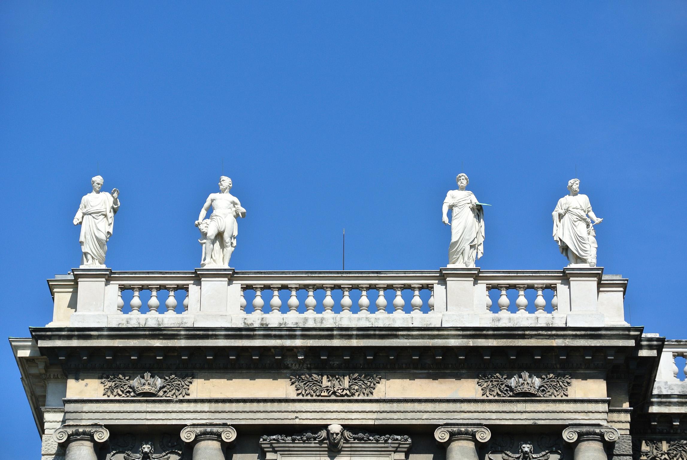 Filewien Kunsthistorisches Museum Balustraden Statuen