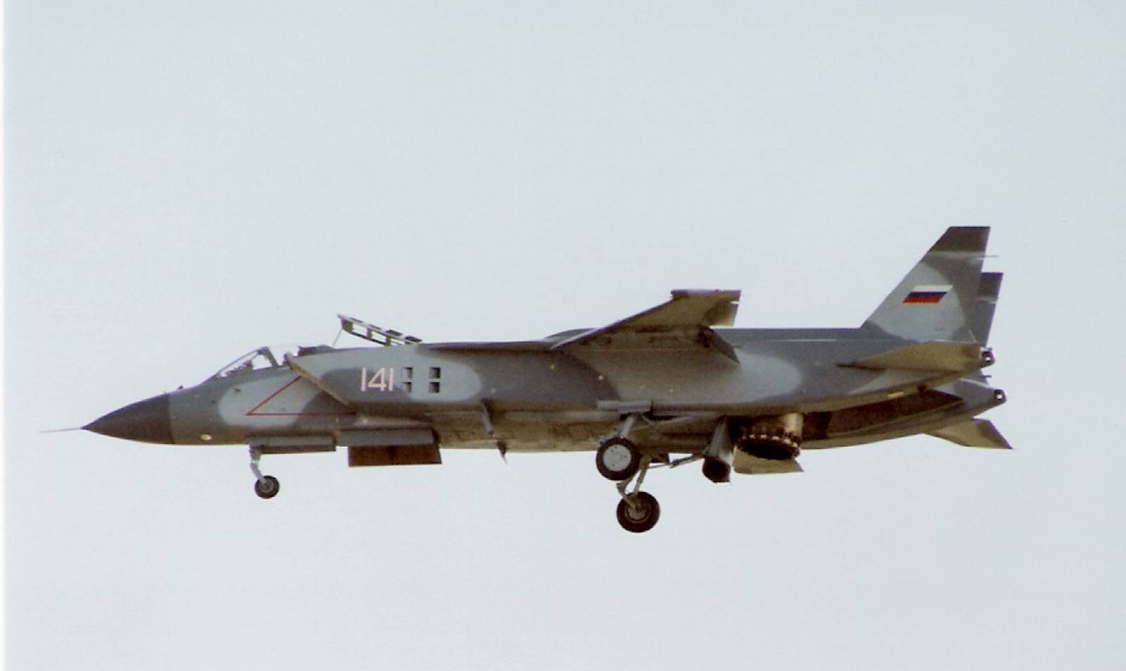 Yakovlev_Yak-141_at_1992_Farnborough_Air