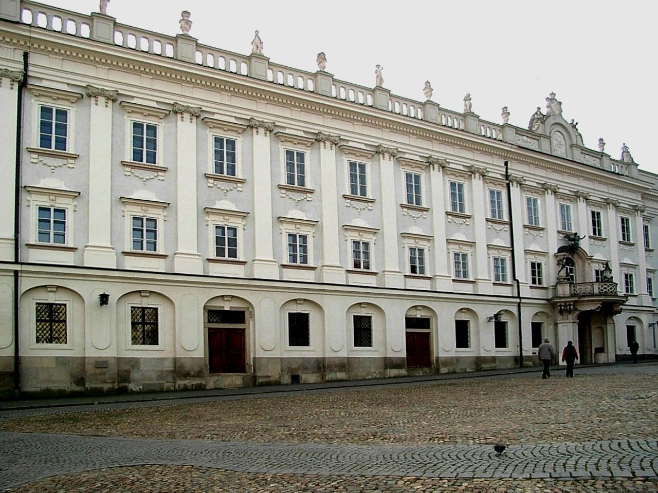 Bischöfliche Residenz Passau, by Wikimedia
