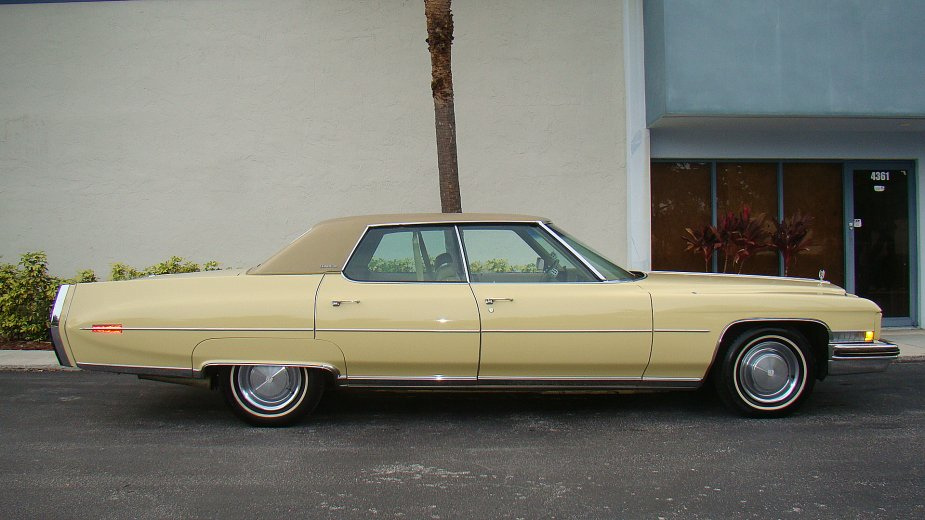 File:1973 Cadillac Sedan Deville right.jpg - Wikimedia Commons
