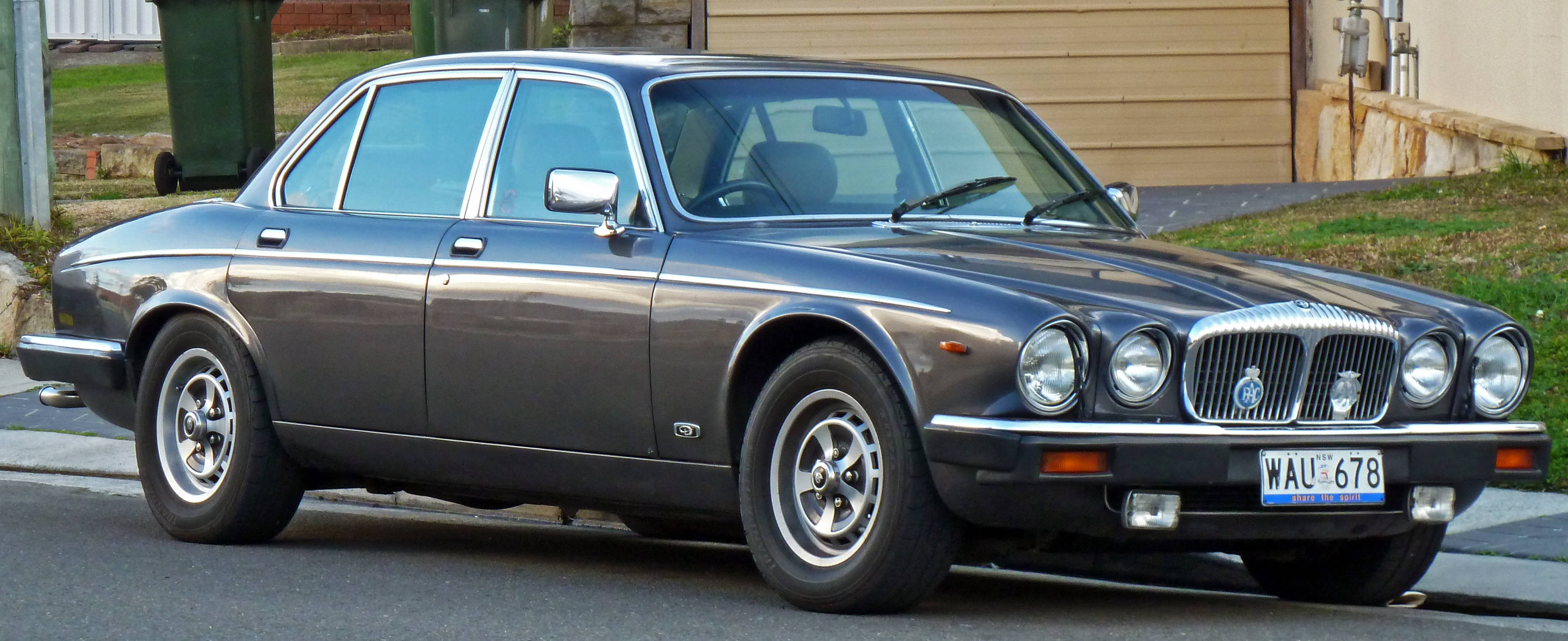 File 1986 1988 Daimler Double Six Sedan 01 Jpg Wikimedia