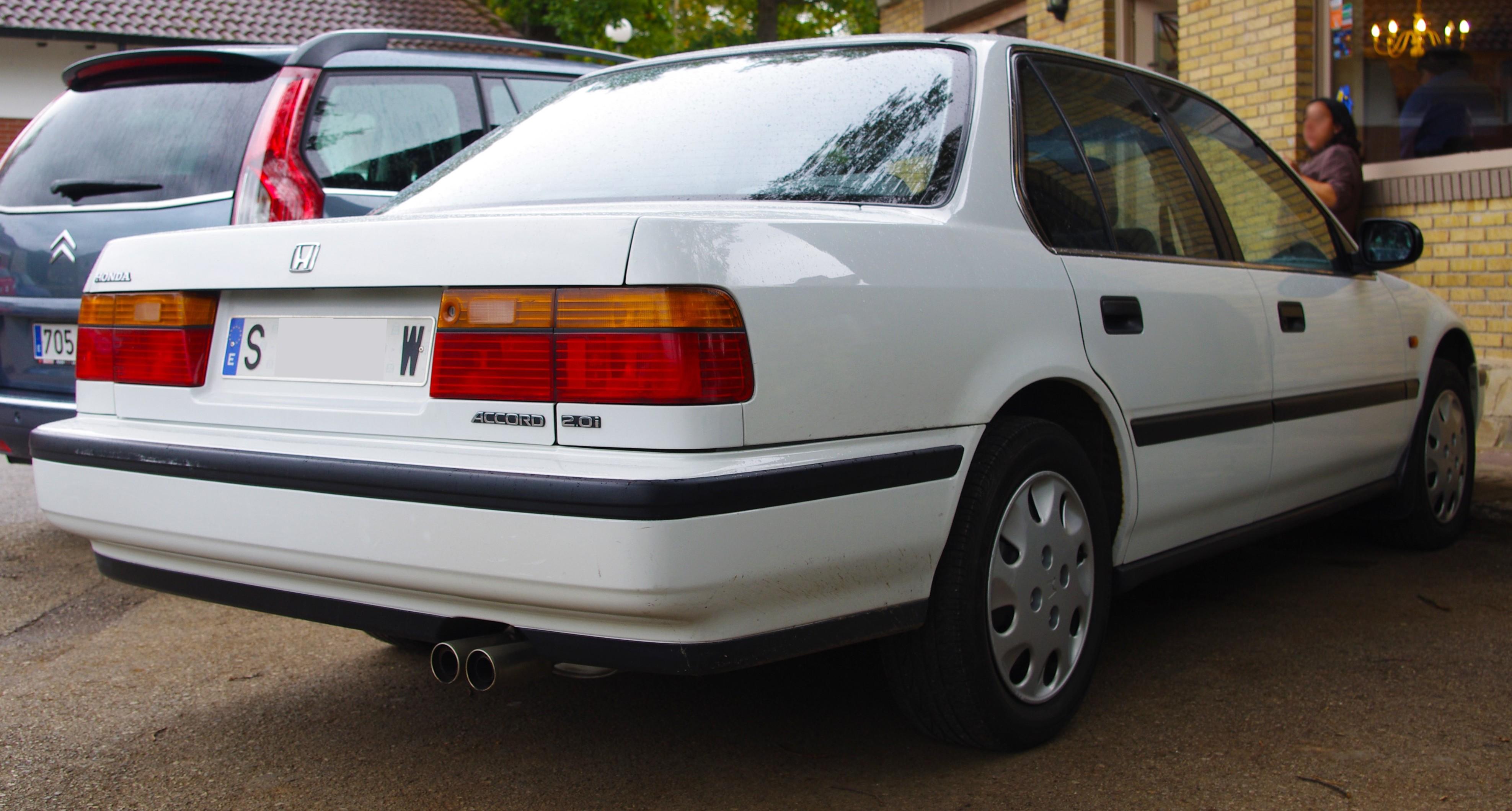 File:1990 Honda Accord (CB) (5170004213) (cropped).jpg ...