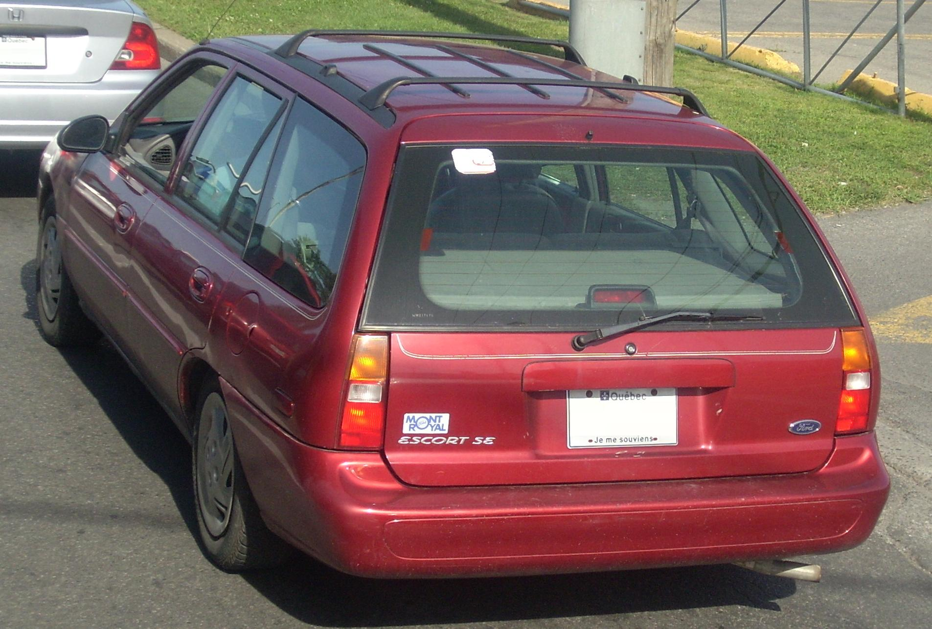 File:1997-1999 Ford Escort SE Wagon.JPG