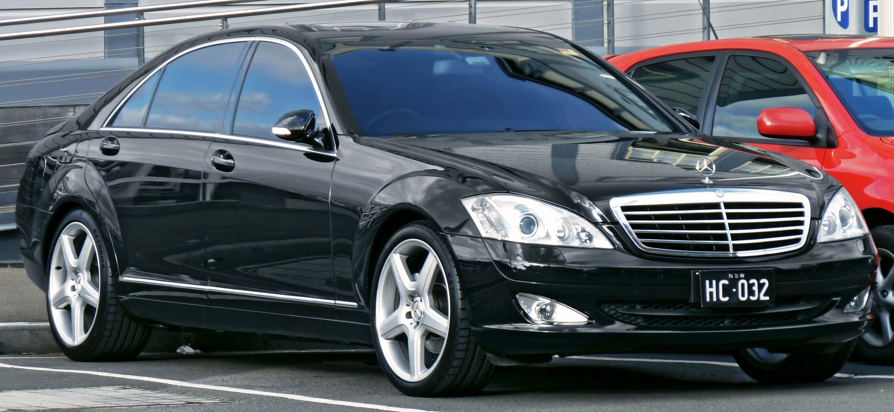 file 2006 mercedes benz s 500 l v 221 sedan 2011 10 31. Black Bedroom Furniture Sets. Home Design Ideas
