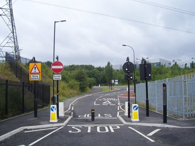 File Automatic Bus Gate At Wood Lane Tinsley Geograph