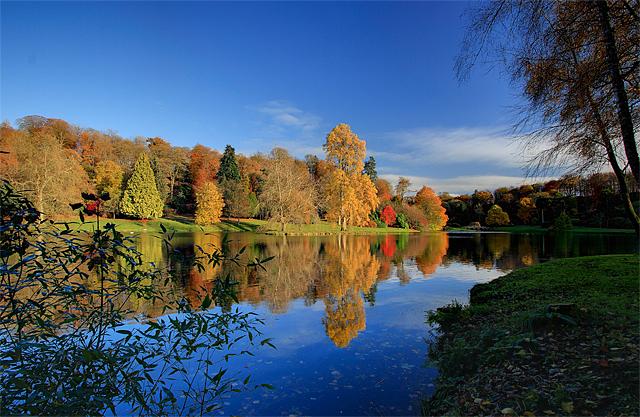 Autumn Colours - Stourhead - geograph.org.uk - 1044919