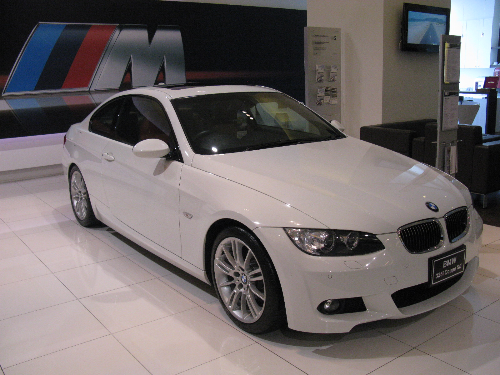 file bmw 325i coup m sport e92 5962161237 jpg. Black Bedroom Furniture Sets. Home Design Ideas