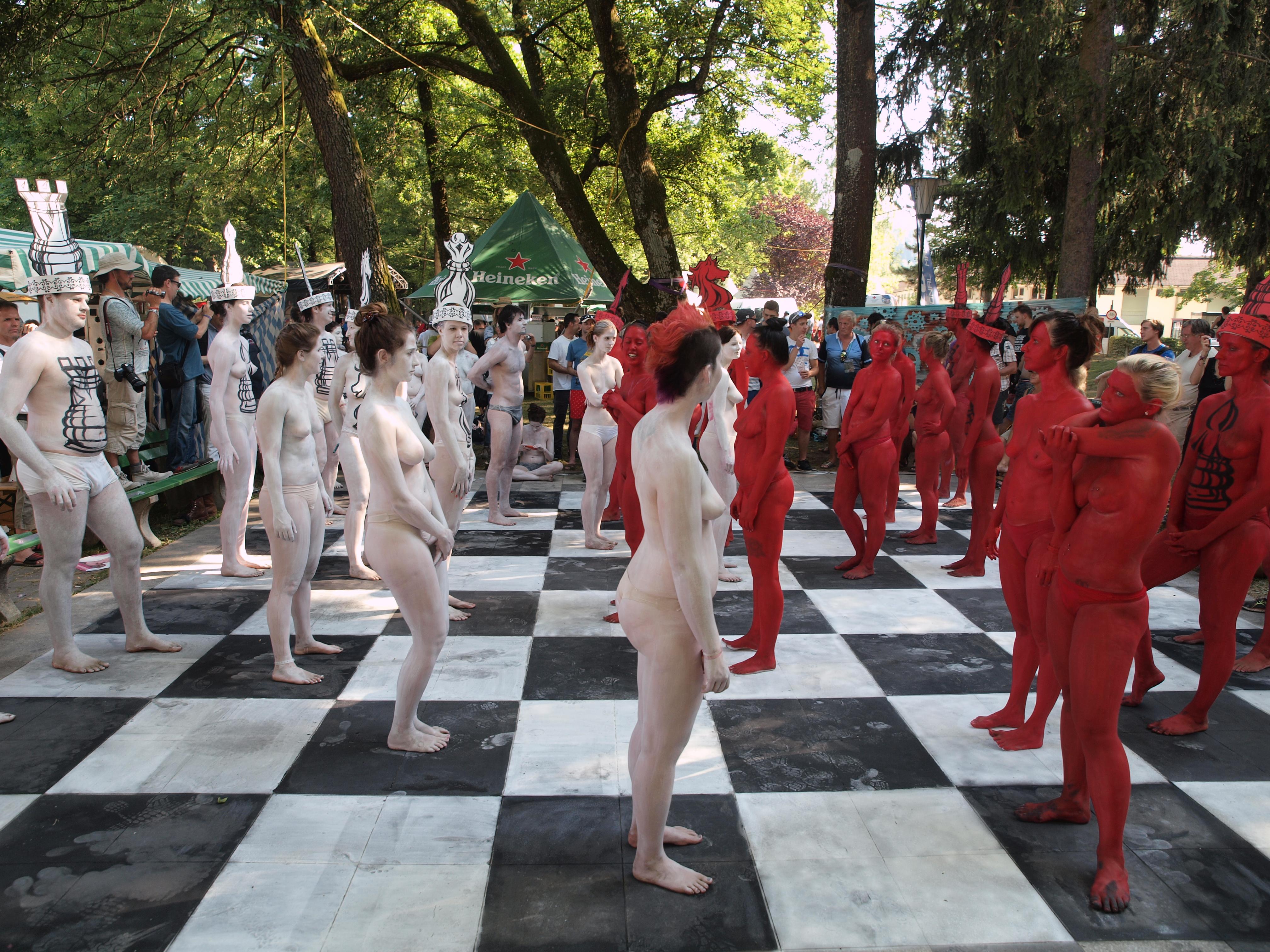 ファイル body painted chess 7 jpg wikipedia