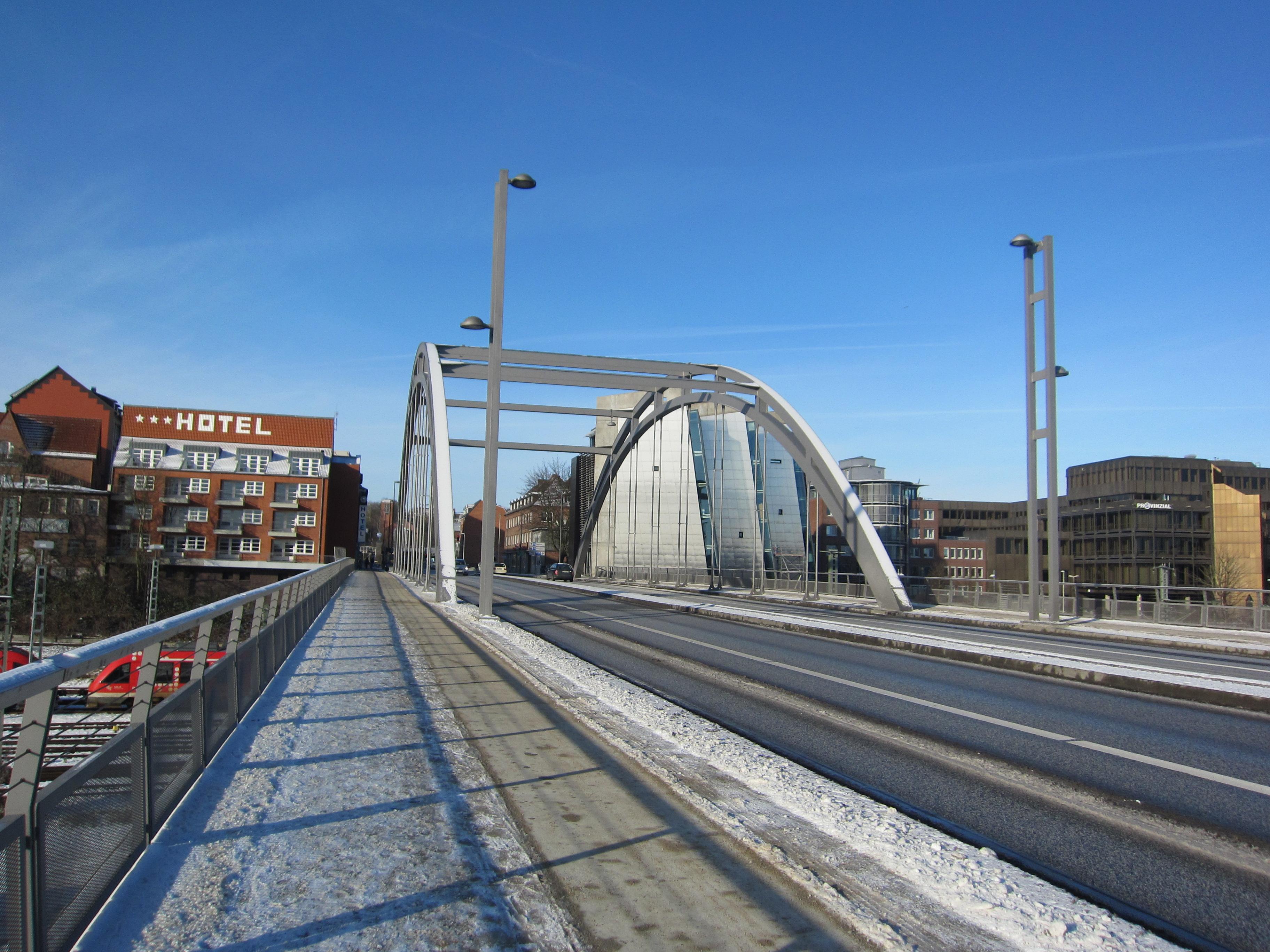 Bogen Gablenzbrücke.jpg