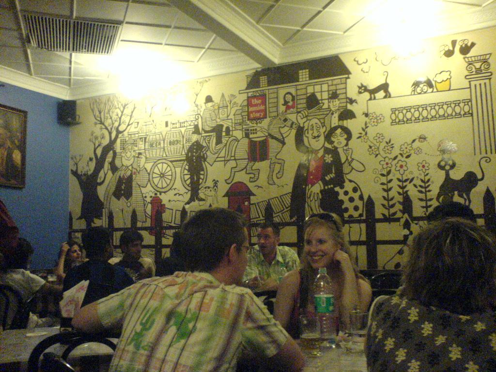 File cafe mondegar colaba causeway interior wall murals for Cafe wall mural