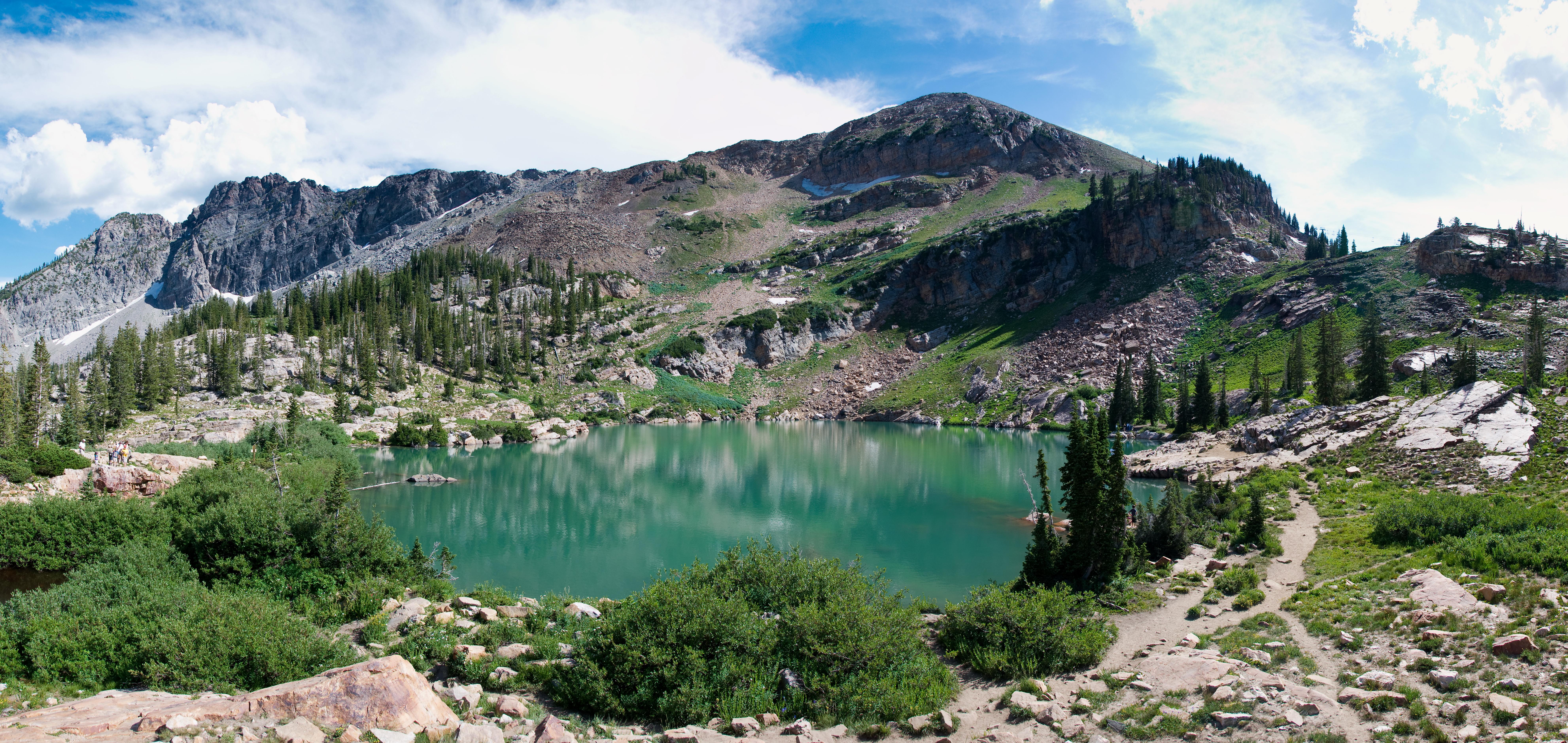 Cecret_Lake_Panorama_Albion_Basin_Alta_Utah_July_2009.jpg
