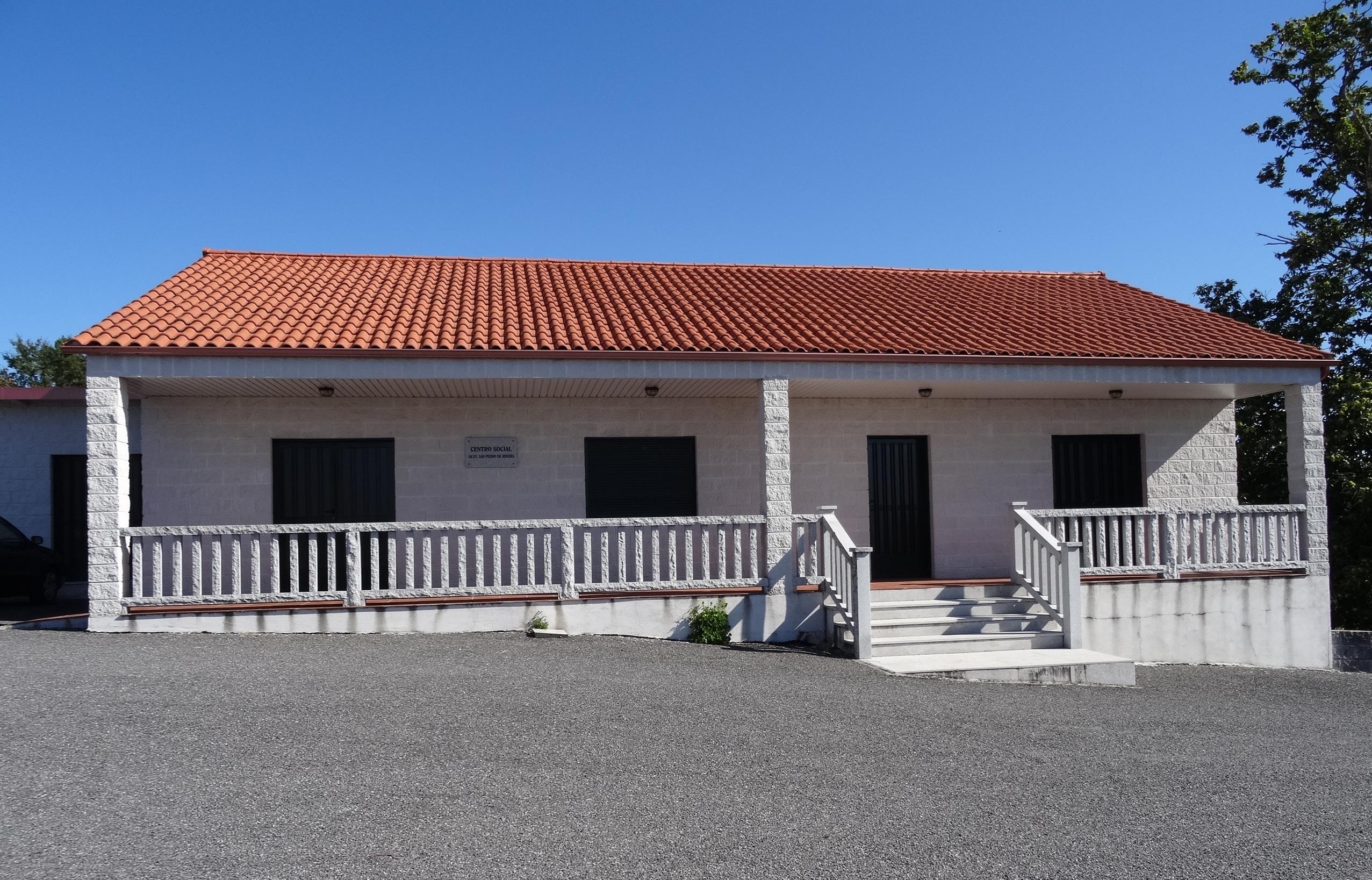 File centro social aavv san pedro de ribeira ba os de molgas ourense wikimedia commons - Banos de molgas ...