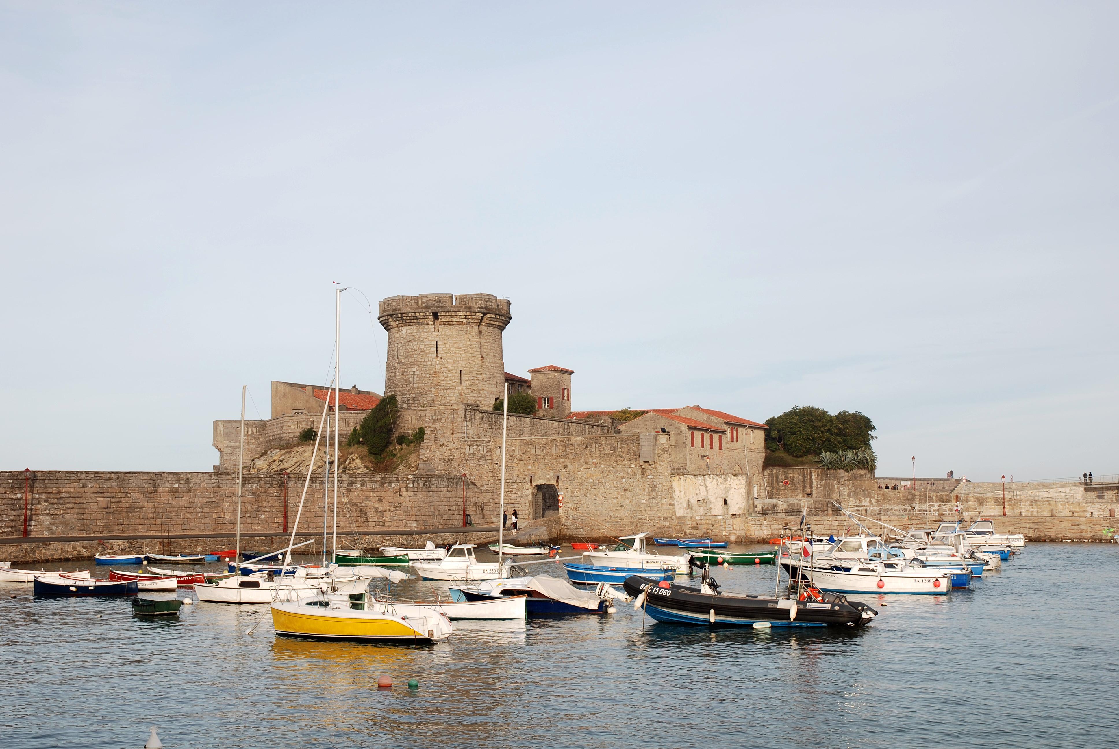 File ciboure fort wikimedia commons - Fort de socoa ...
