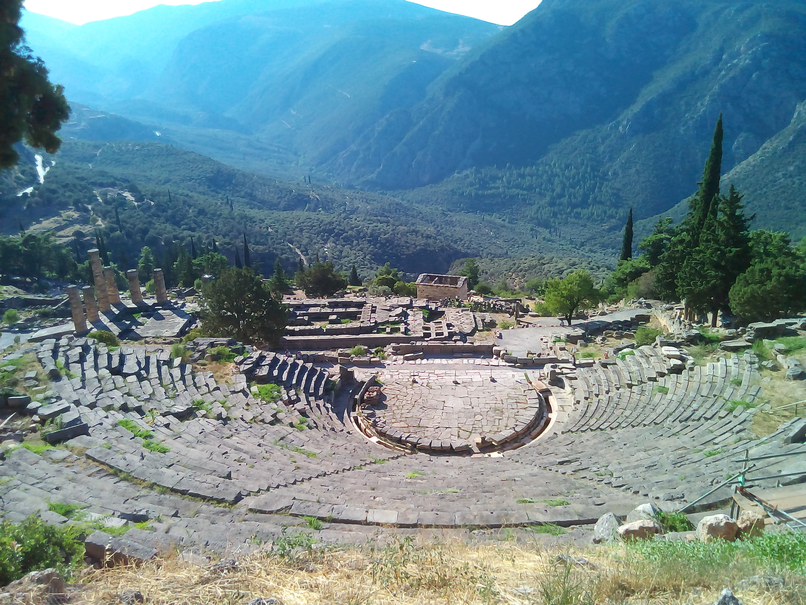 File:Delphi.ancient.theater.jpg - Wikimedia Commons