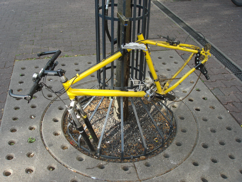 Demontiertes gelbes Fahrrad - Quelle: WikiCommons