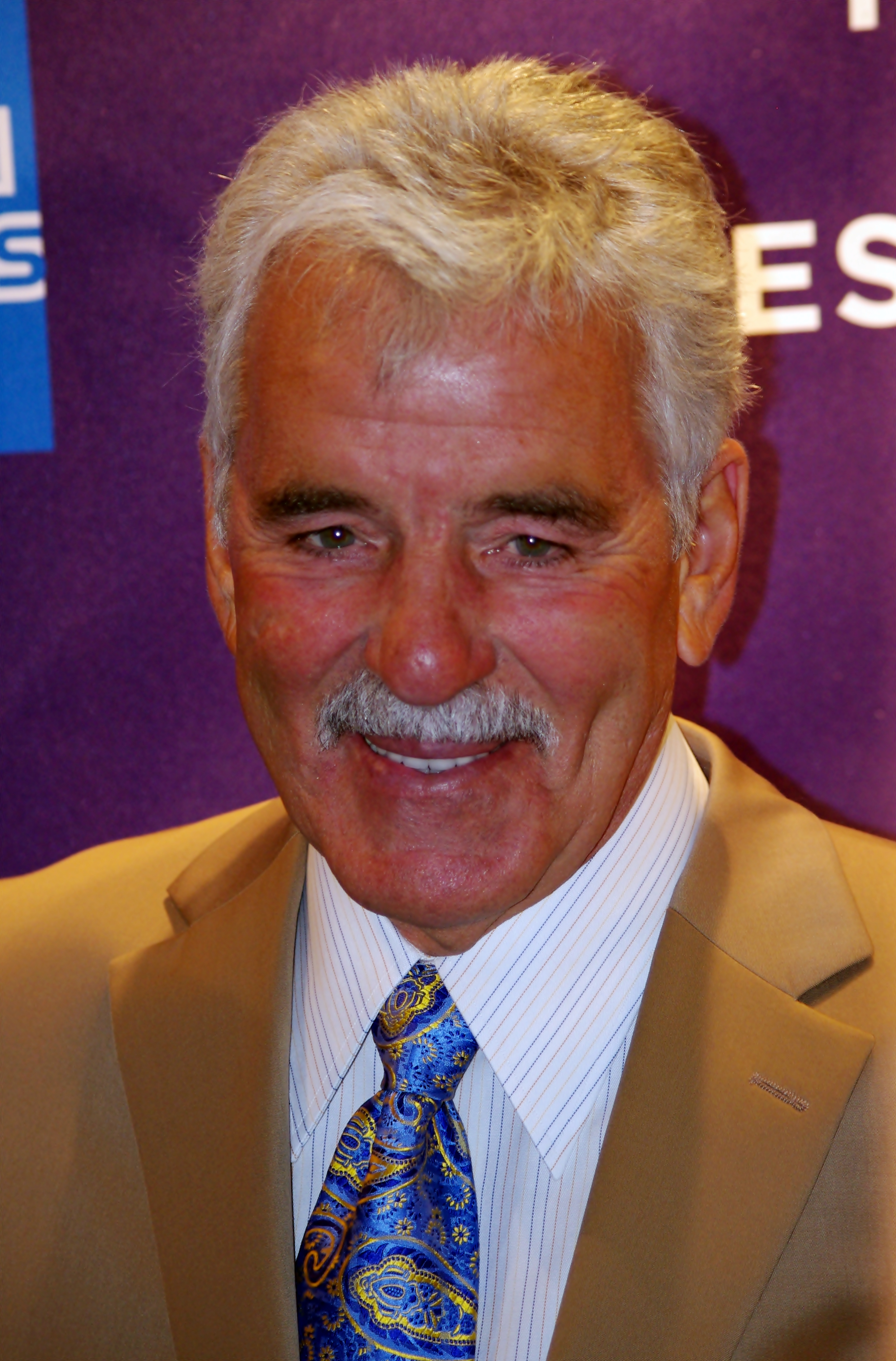 dennis farina unsolved mysteries