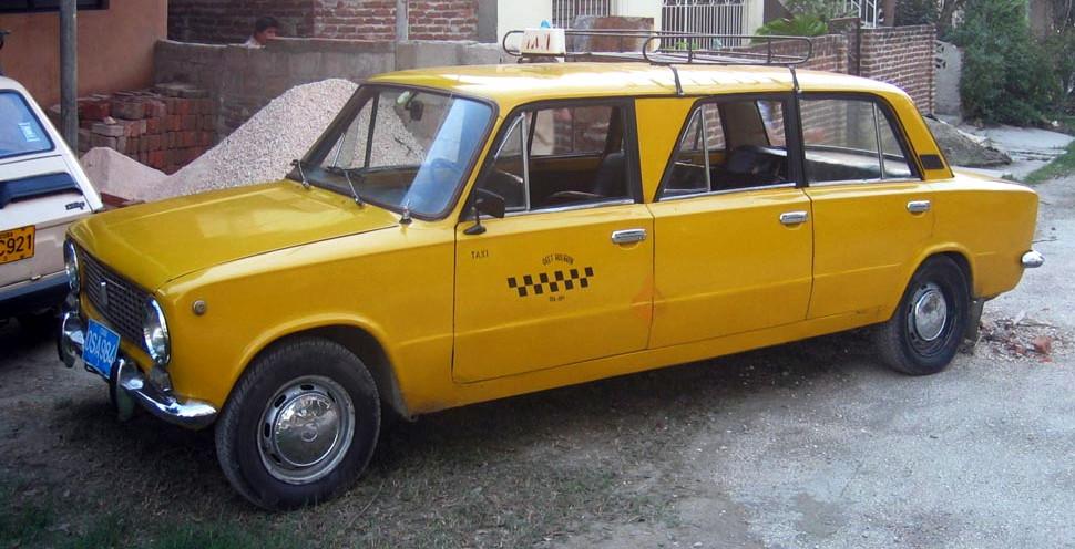 DirkvdM lada limousine.jpg