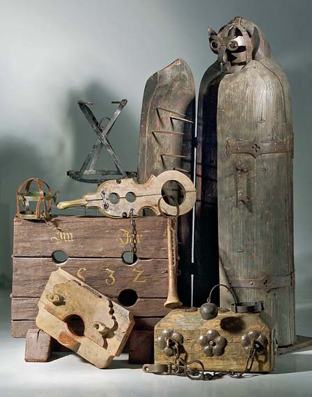 A variety of torture instruments. Many, including the large Iron Maiden of Nuremberg, were never used for torture. Diverse torture instruments.jpg