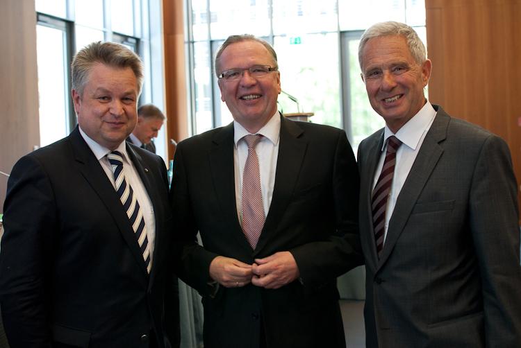 EBD-Präsident Rainer Wend (Mitte) mit Staatsminister Michael Link (links) und EBD-Ehrenpräsident Dieter Spöri.jpg