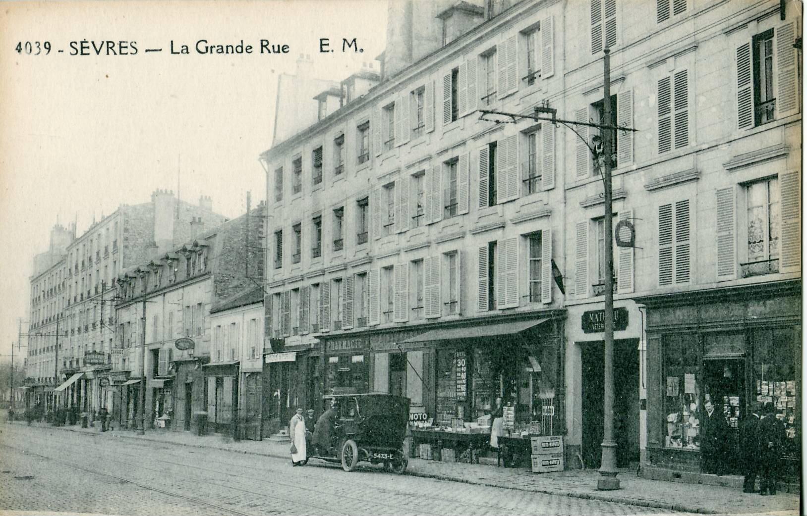 File em 4039 sevres la grande rue jpg wikimedia commons - Hopital laennec rue de sevres ...