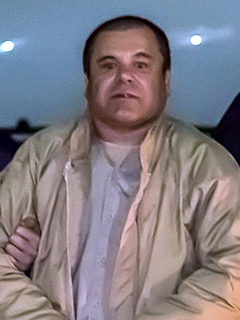 https://upload.wikimedia.org/wikipedia/commons/c/cb/El_Chapo.jpg