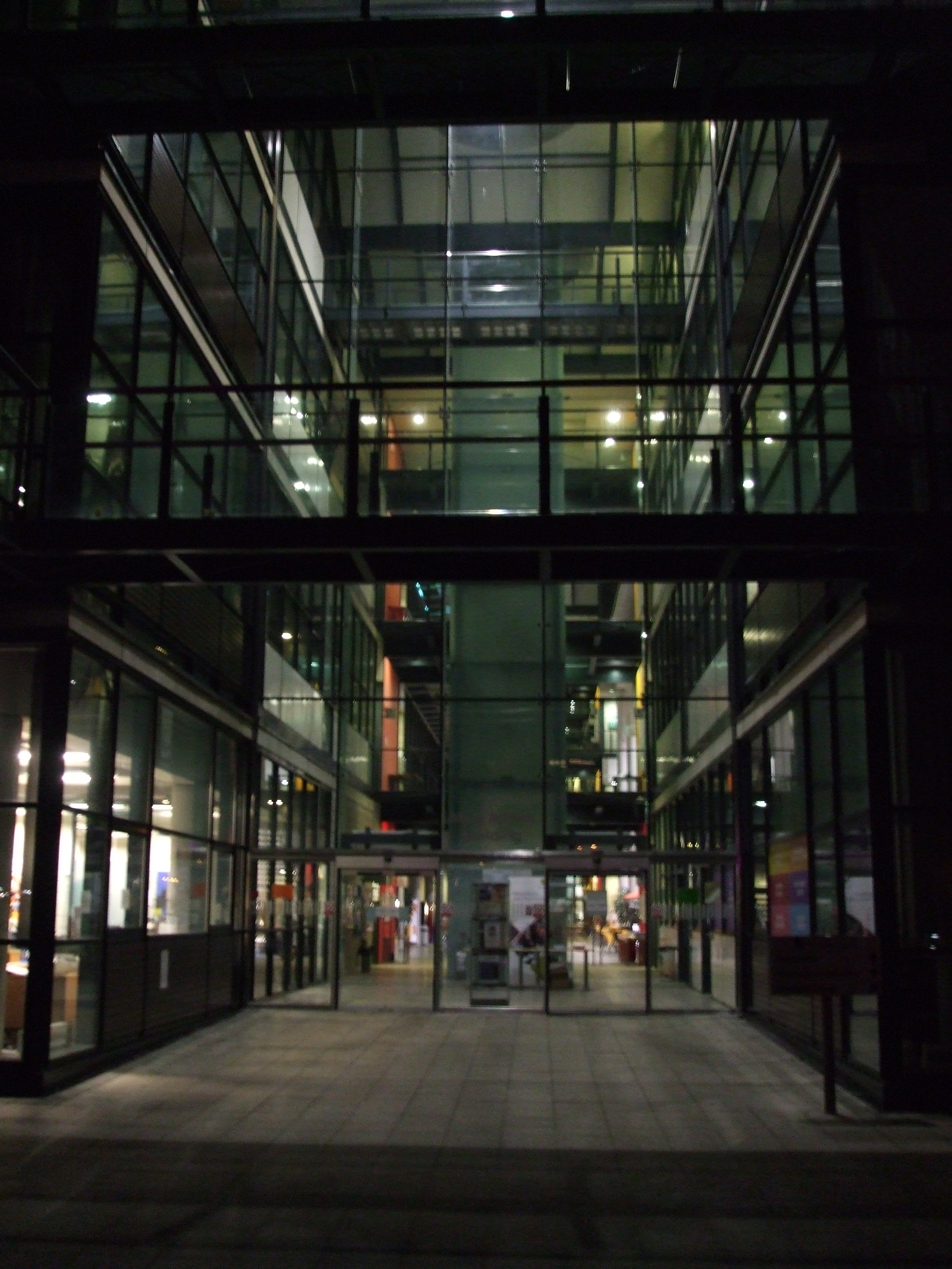 File Entrance University Of Lincoln Jpg Wikimedia Commons