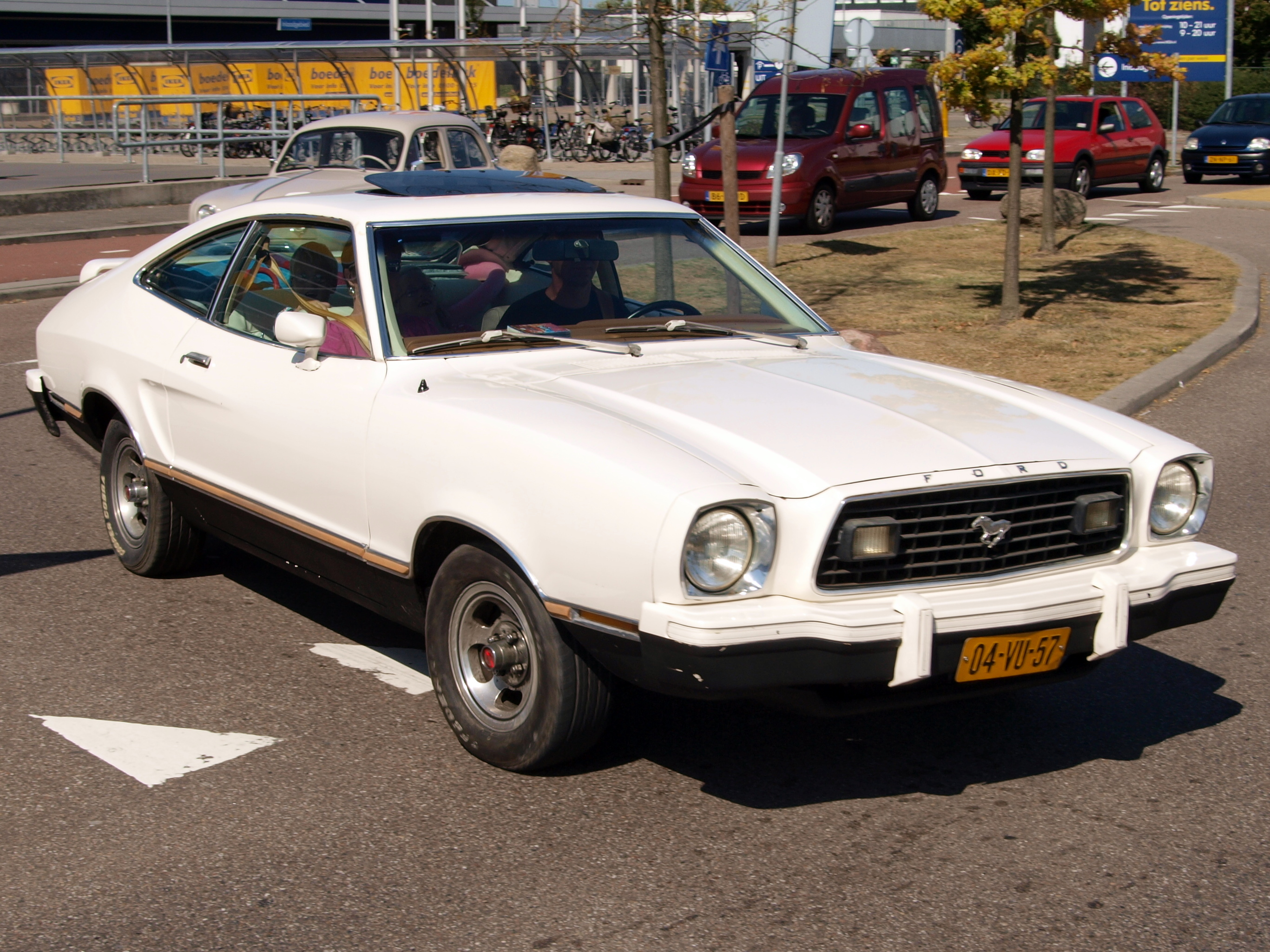 Fileford mustang ii 2 2 04 vu 57 pic2 jpg wikimedia commons