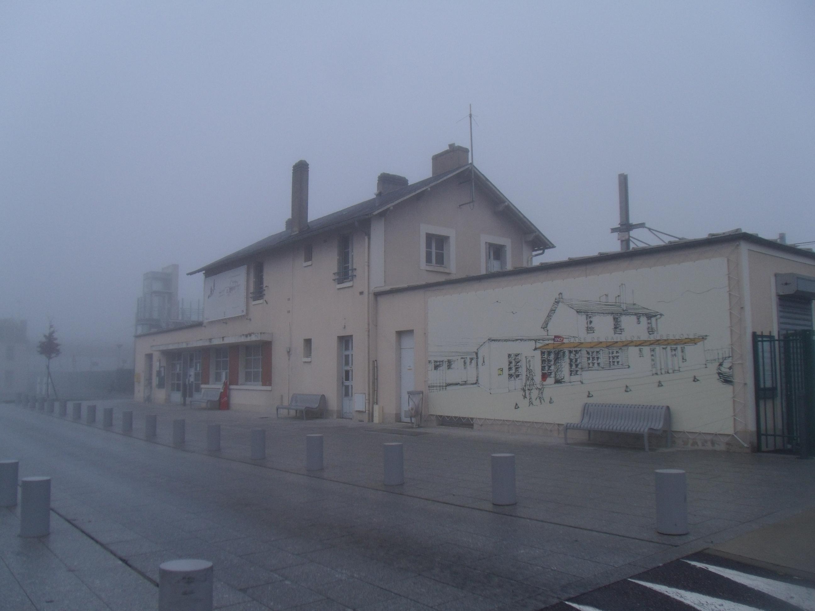 File:Gare de Gaillon - Aubevoye extérieur.JPG