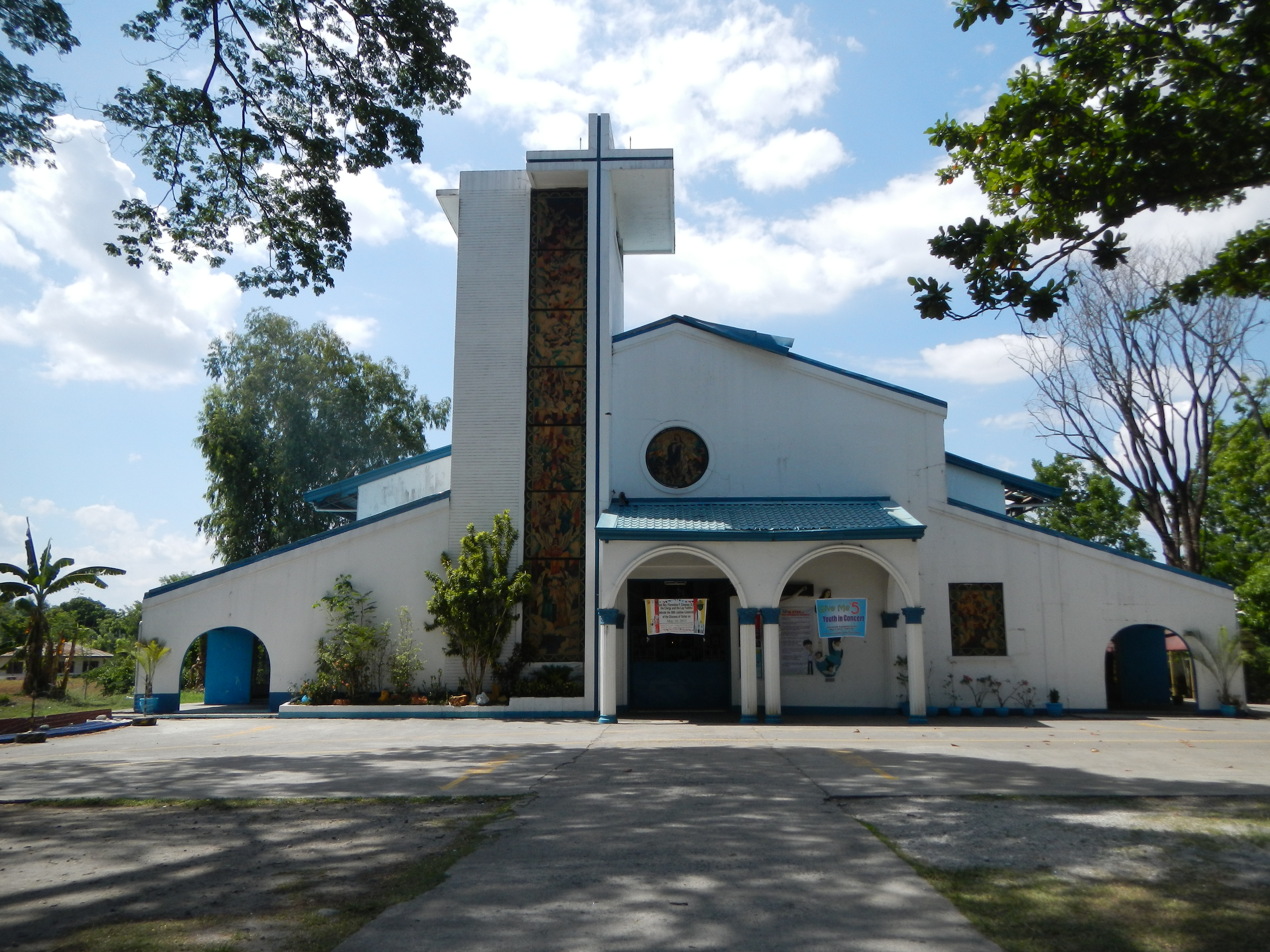 Fileimmaculate Conception Church Facade In Victoria Tarlacjpg