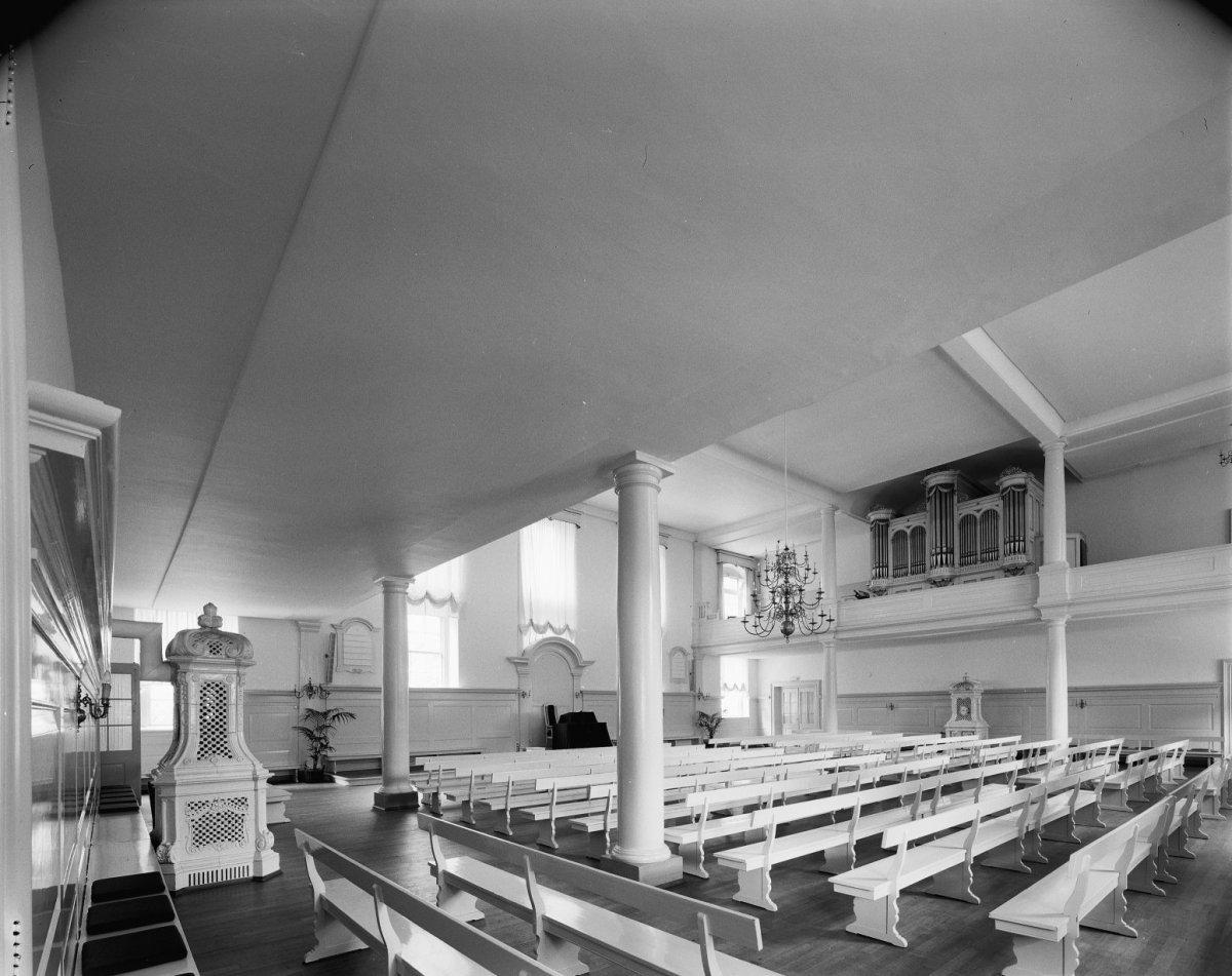 File:Interieur, overzicht kerk Evangelische Broedergemeente met ...