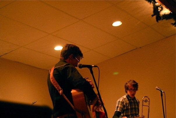 File:Jon-Rae Fletcher performing in Kelowna.jpg