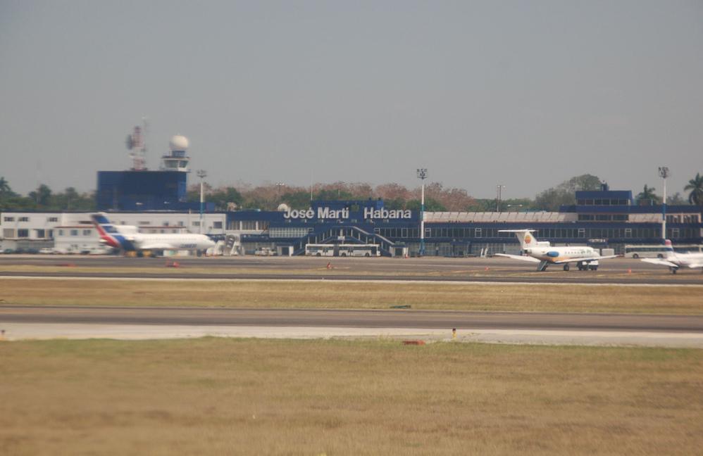 Aeroporto Havana : File jose marti airport domestic terminal g