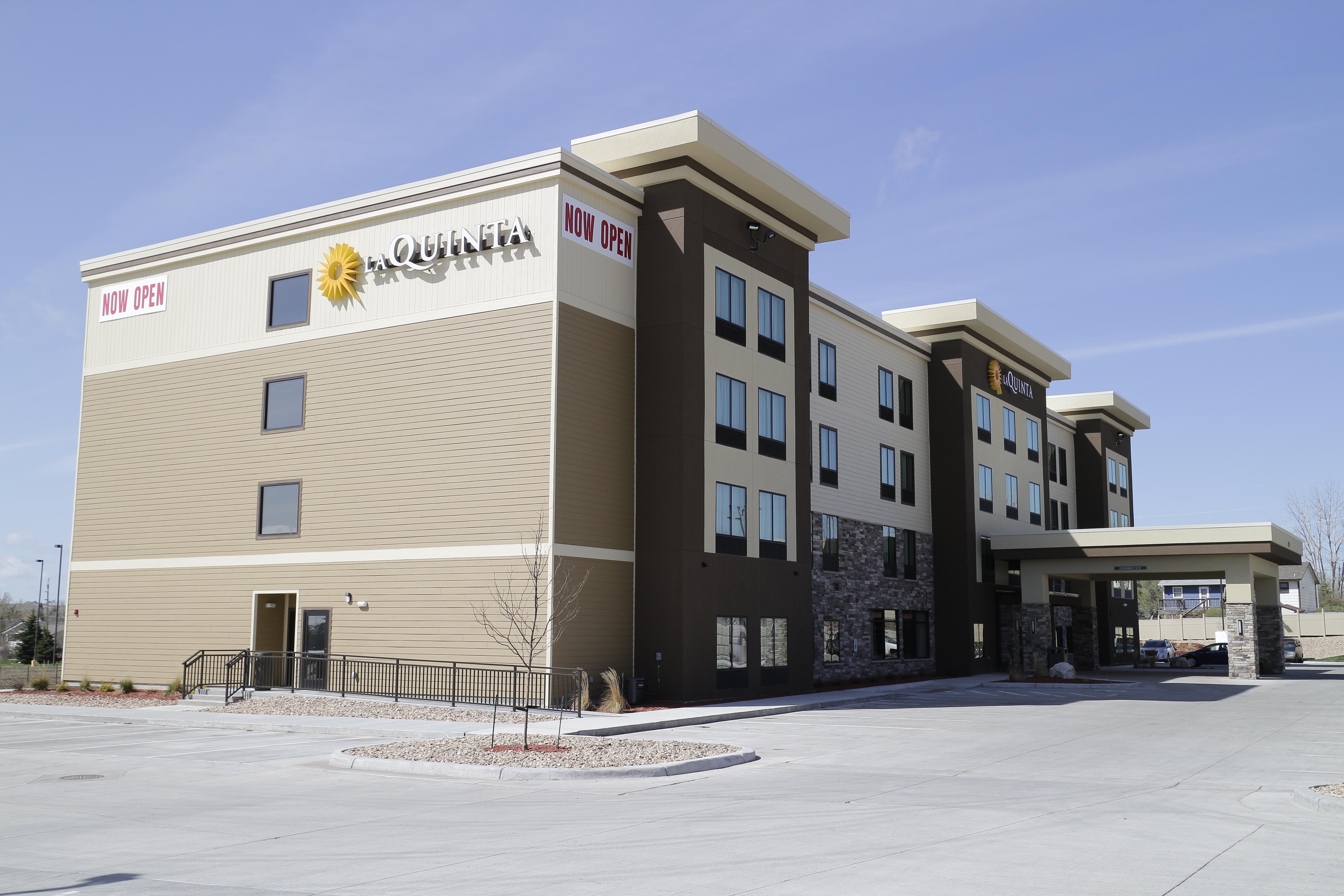 Days Inn Hotel And Suites Niagara Falls
