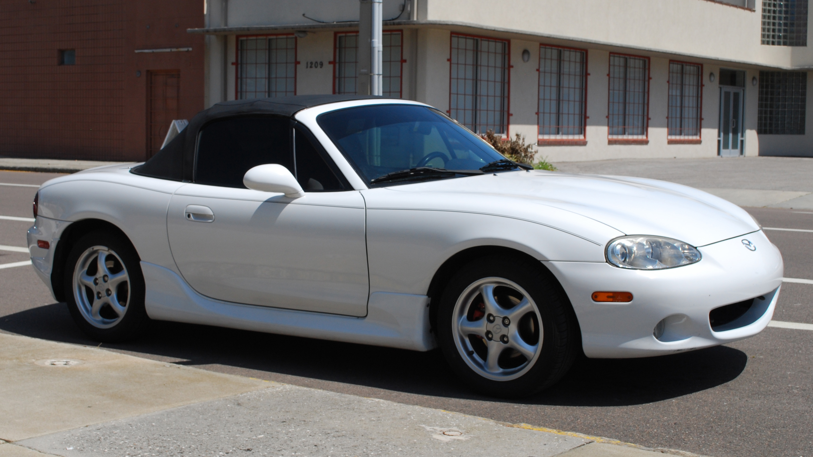 Mazda MX-5 (NB) - Wikipedia