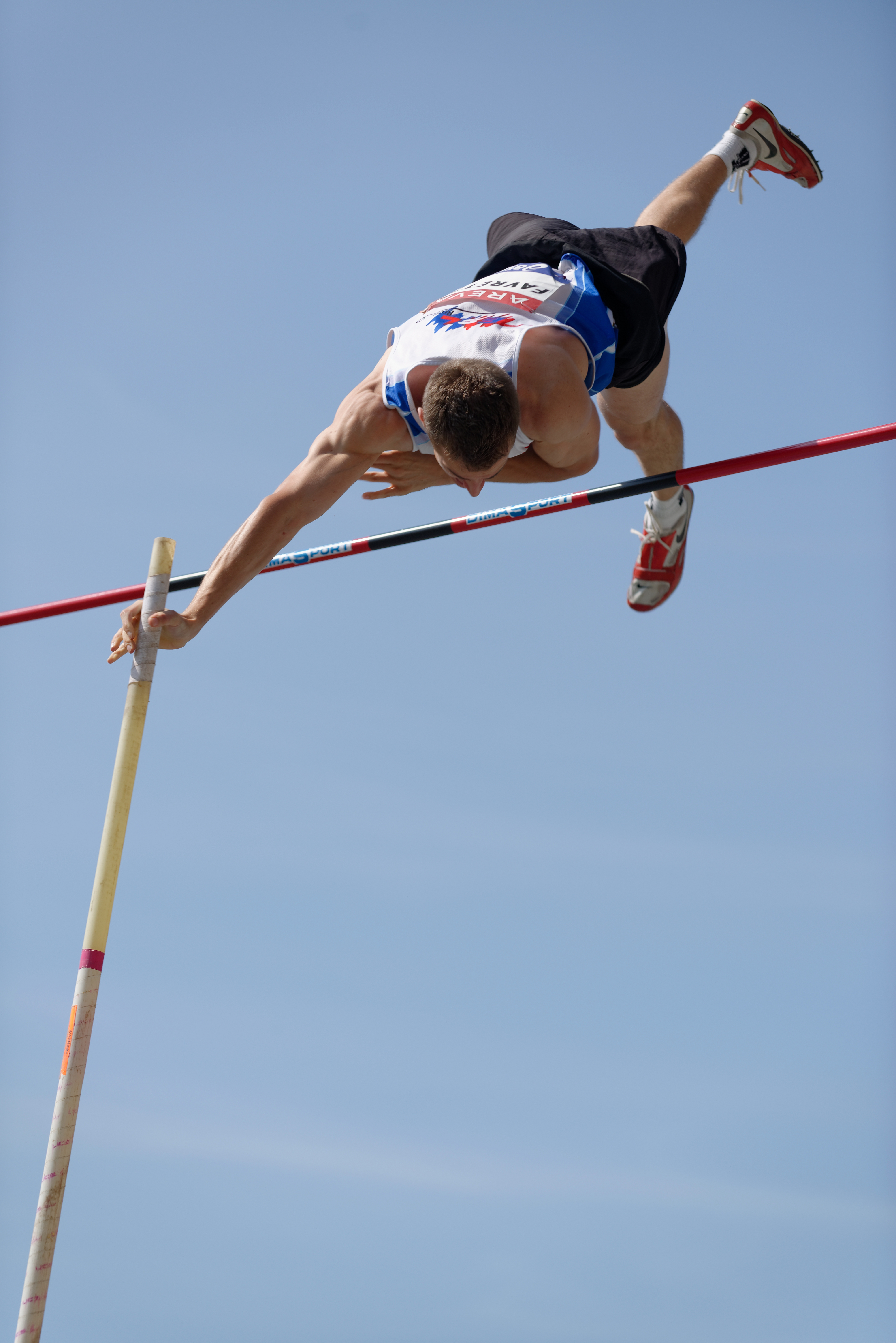 an introduction to the history of pole vaulting The pole vault originated in europe, where men used the pole to cross canals filled with waterthe goal of this type of vaulting was distance rather than height in the late 1800s, colleges.