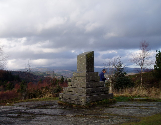 Monument near Llyn Elsi - geograph.org.uk - 300879
