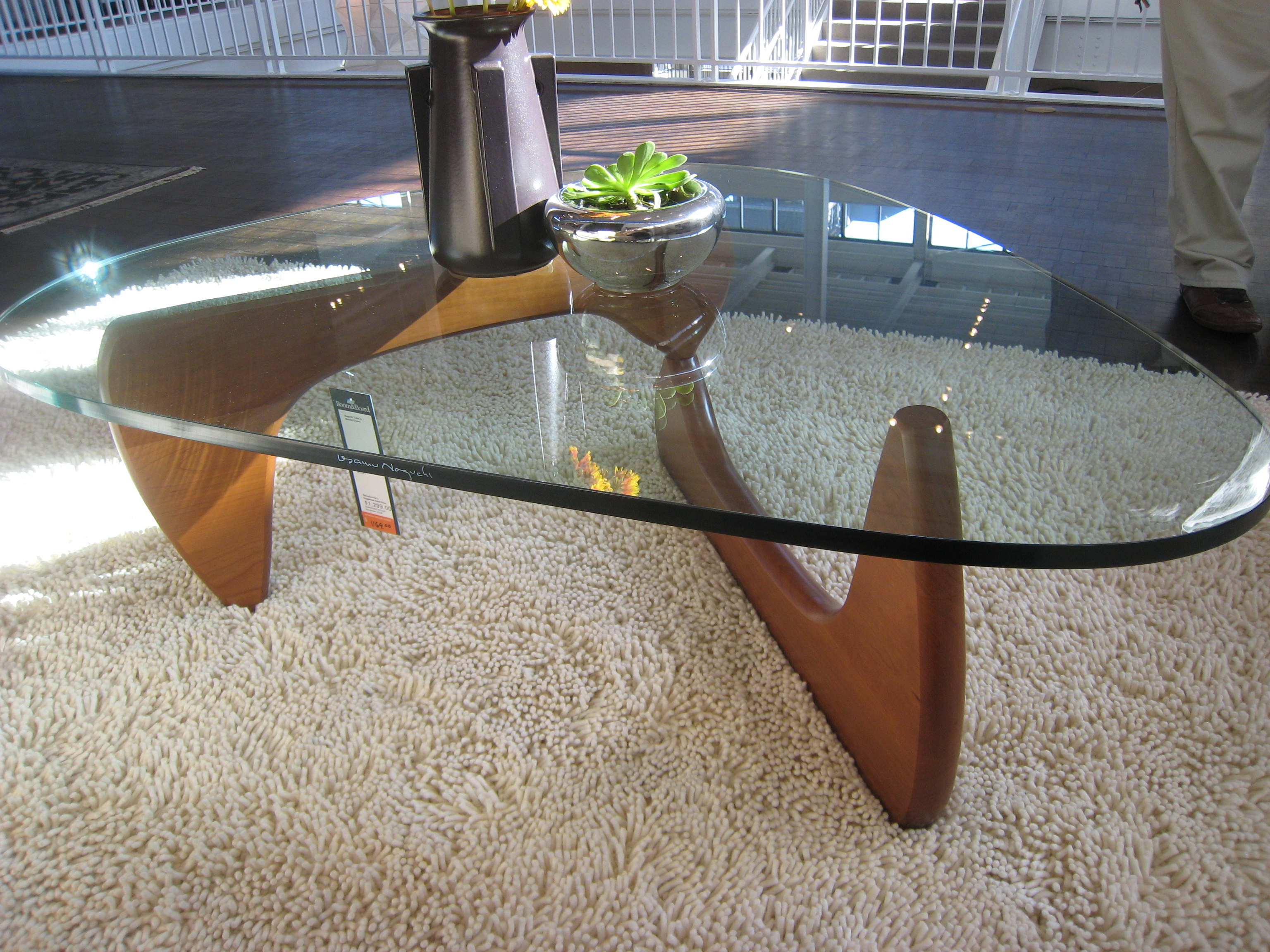 filenoguchi coffee table ()  wikimedia commons - filenoguchi coffee table ()
