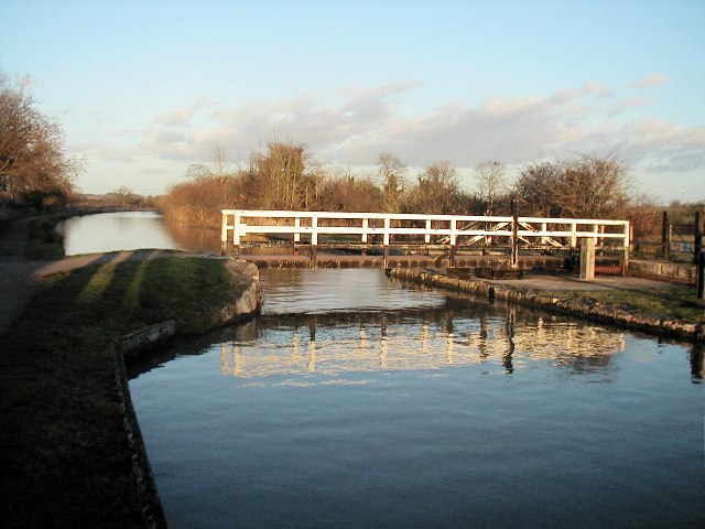 On the Kennet and Avon Canal between Seend and Semington - geograph.org.uk - 85183